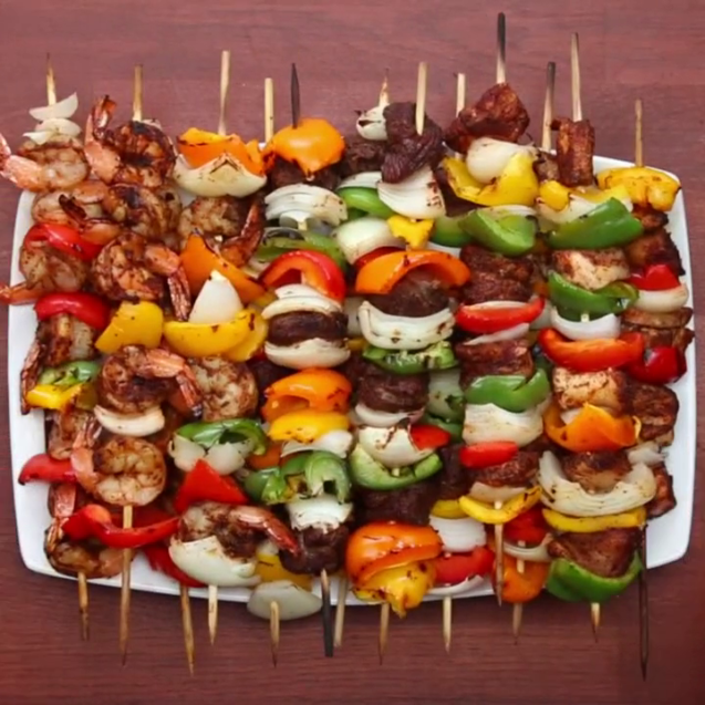 Skewers on skewers with bell pepper
