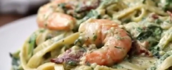 Creamy Fettuccine with Shrimp and Spinach